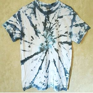 Unisex Blue and gray tye dyed t shirt size medium
